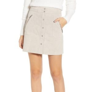 Blank NYC Snap Front Suede Miniskirt in Fawn (B)